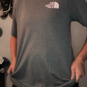 North face short sleeve shirt
